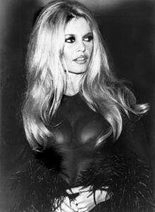 Click on Ms. Bardot (you know you want to) and donate (More $$= More Public Health + More Brigitte) Money goes to Pan American Zoonotic Research and Prevention
